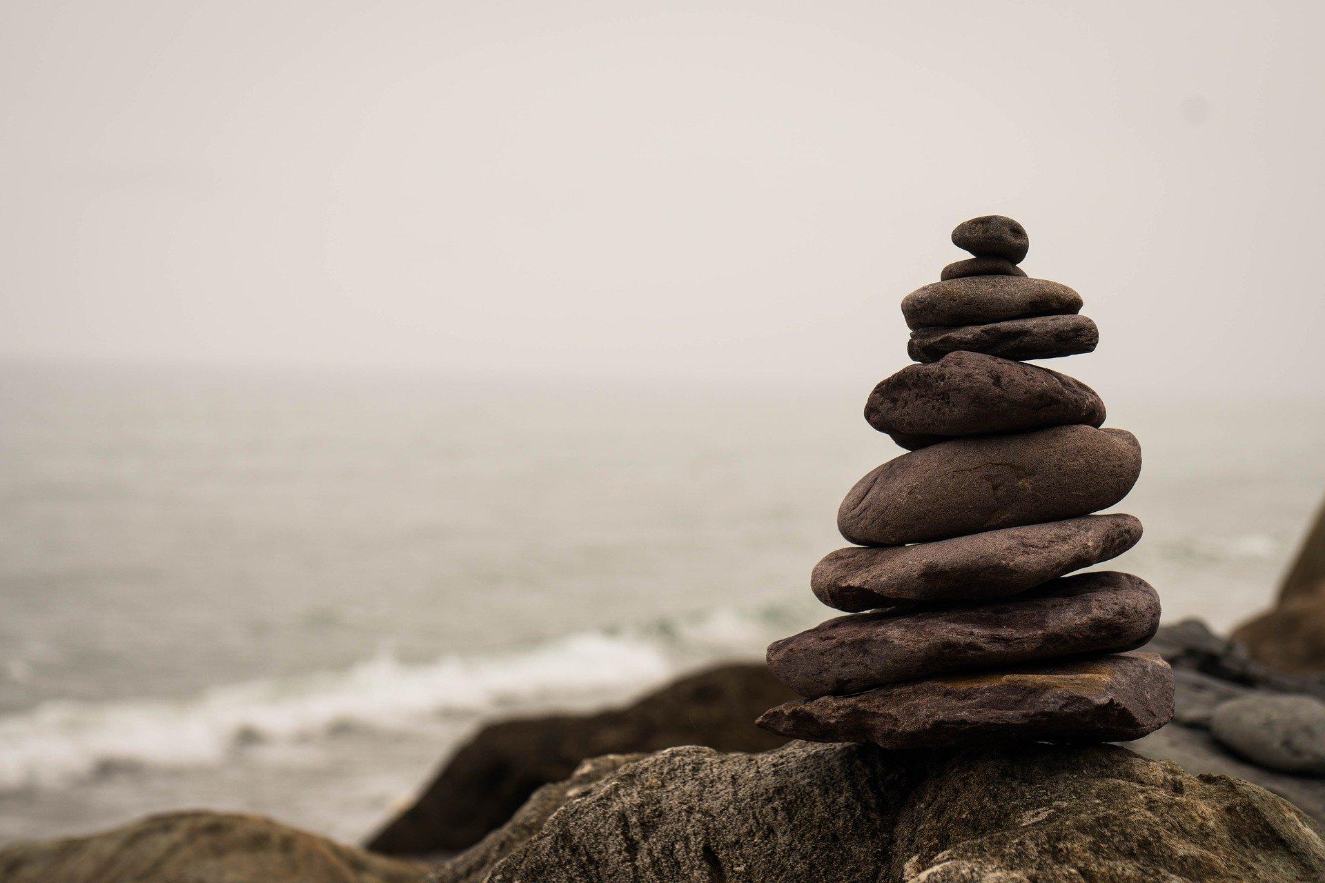 balance-2686214_1920